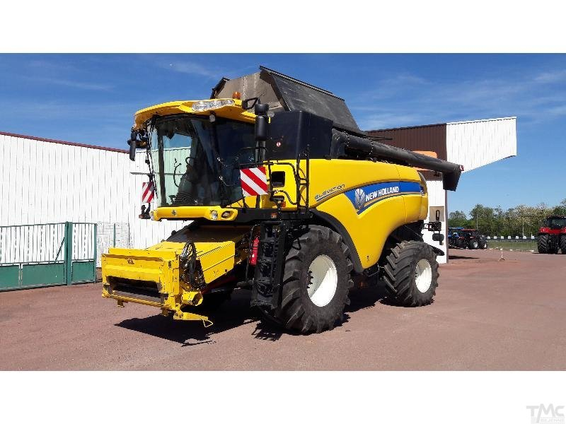 cosechadora automotriz NEW-HOLLAND CX 8080 E