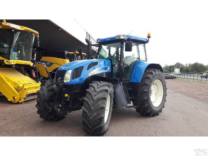 Tractor NEW-HOLLAND TVT 135